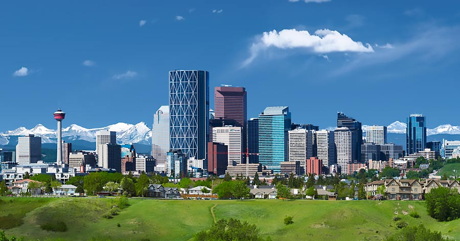 Calgary und Rocky Mountains Skyline Alberta Kanada